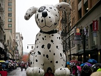 Free! Macy's Holiday Parade, Downtown Portland: Fri Nov 29, 2013 9AM. Rain or Shine. Parade Route Map. Info here!