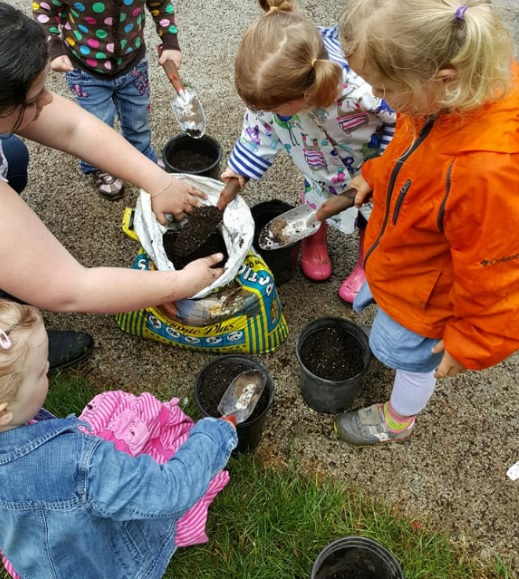 Nadaka Nature Park, Tadpole Tales events for 2-5 year olds, once a month May through August 2017. Info here!
